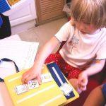 child using PECS